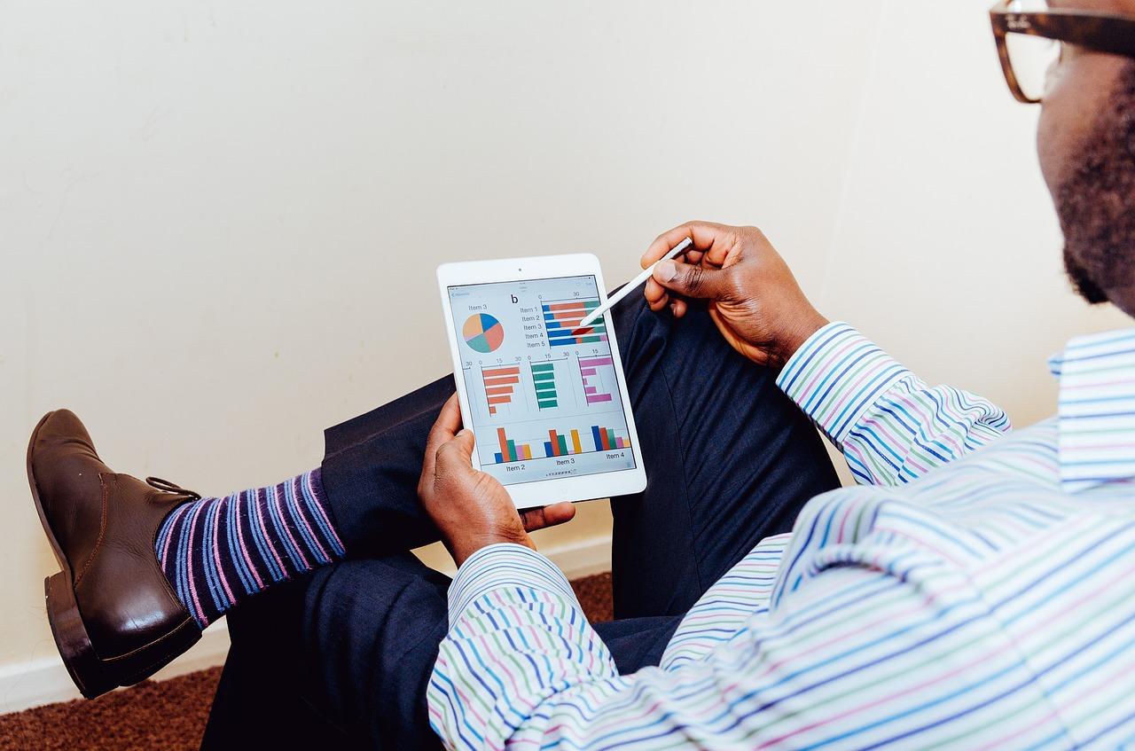 Szkolenia w małych firmach: jak zacząć inwestować w pracowników? Organizacja szkoleń z zakresu ISO 14001