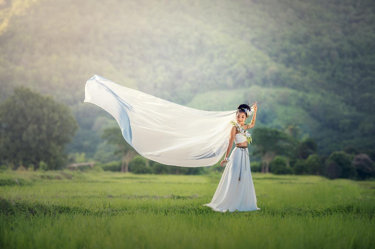 Modele sukni na ślub i wesele